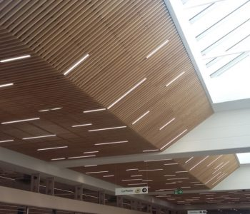 Plafond bois : Centre commercial Carrefour Mably